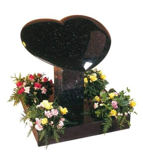 EC150 Shaped Heart Memorial